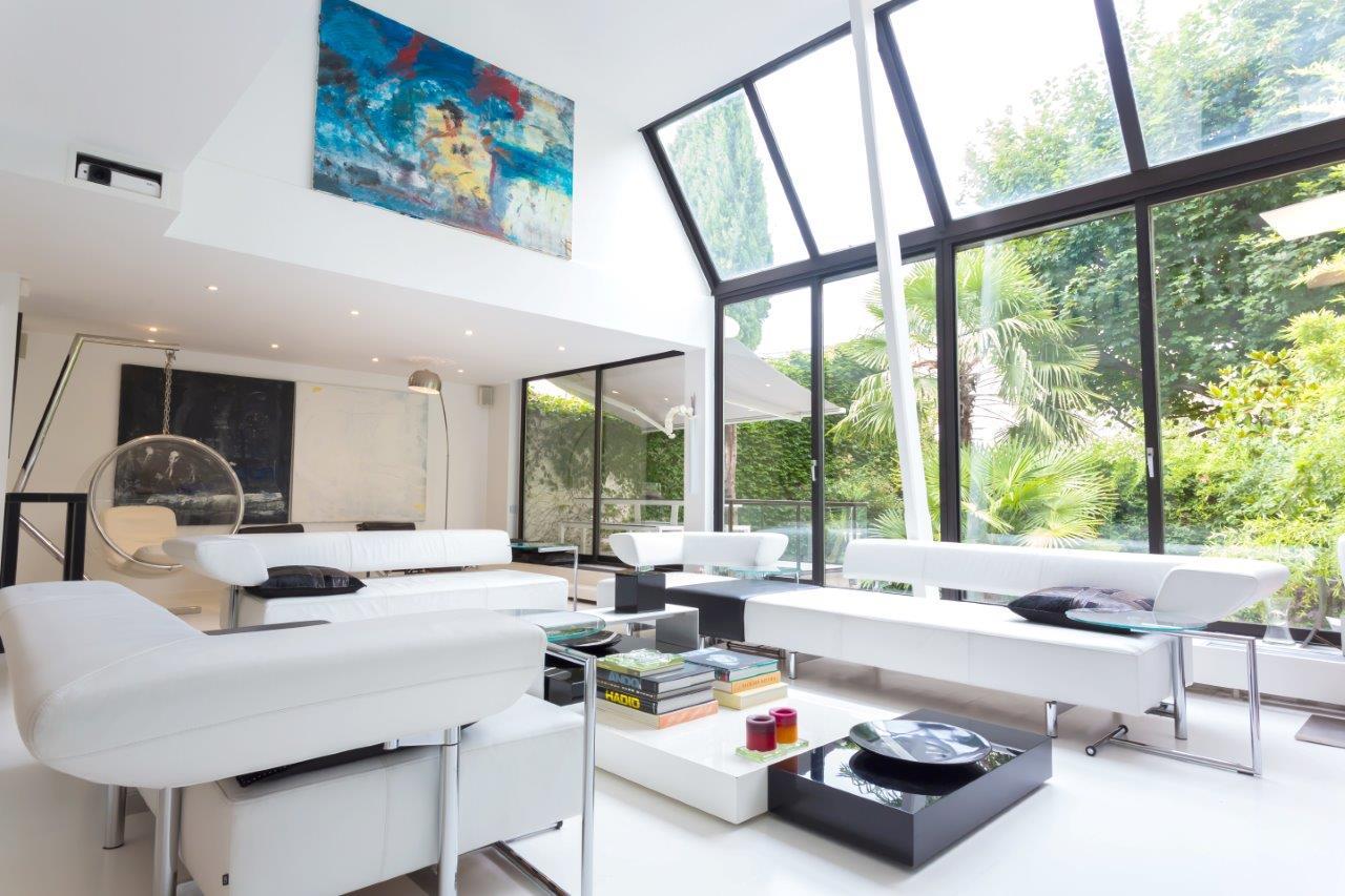 Loft design paris 14 for Salon miroir paris 14